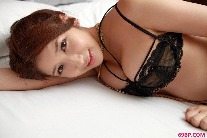 巨胸东洋女优亚里沙姿态各异很迷人_东北老肥熟女毛茸茸