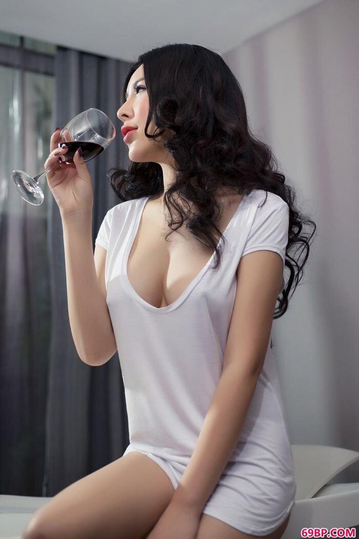 丝袜贵妇艺潇全裸大胆私密照_国模嘟嘟150p搜索色