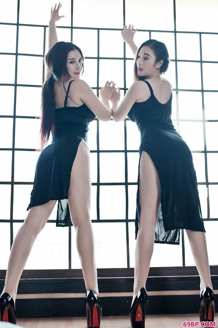 双胞胎居家私拍丰乳肥臀性感无比_西西人体国模大胆艺术摄影