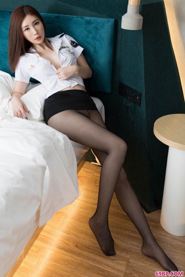 魅惑女神孙梦瑶制服装上演极致诱惑_小白嫩紧紧木耳p