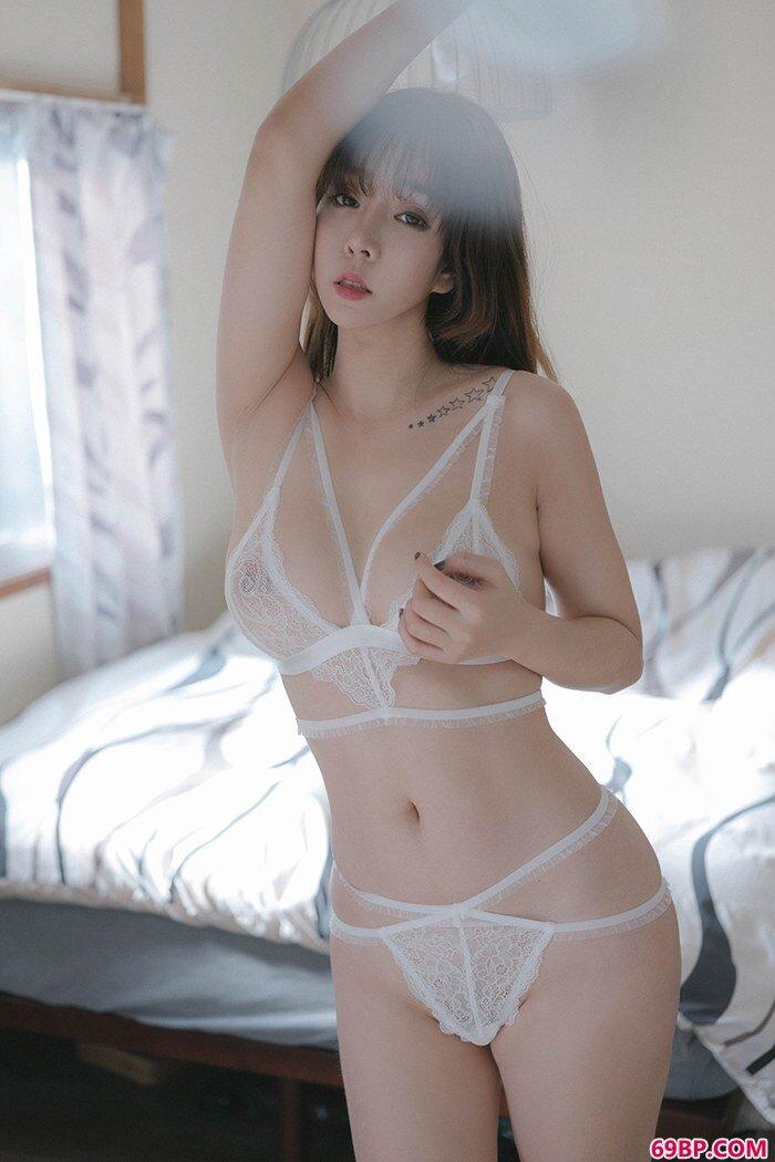 美丽尤物王雨纯奶白色肉体让人着迷_伊人西西人体鲍鱼图片
