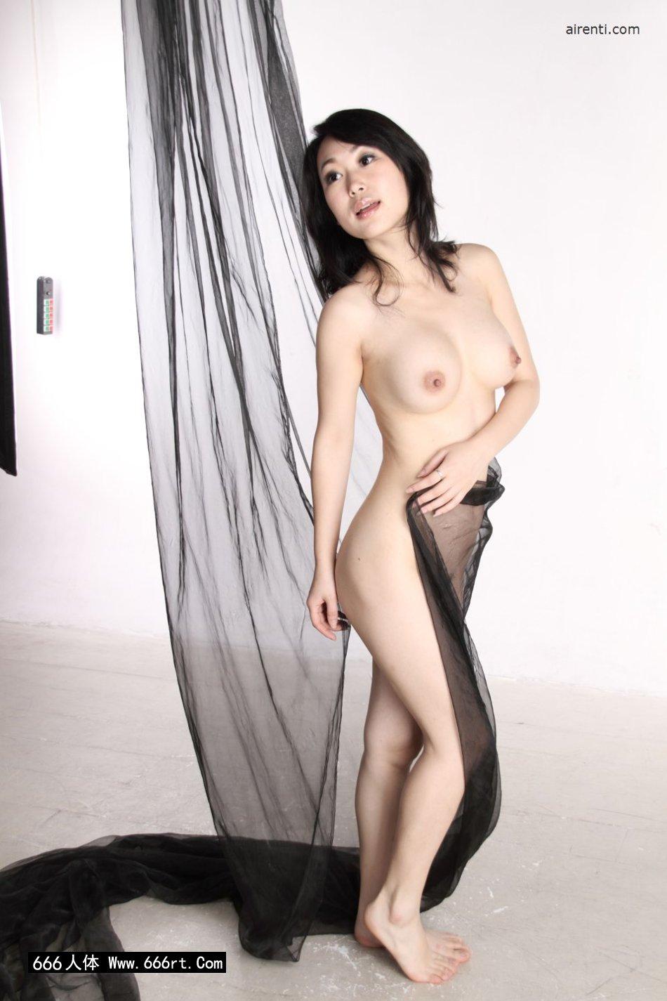室拍黑纱缠体的白嫩淑女苏蕾_国模小黎炮交图