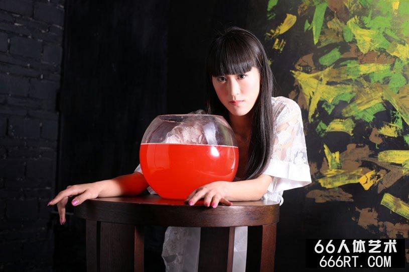 名模涣莎09年4月16日室拍人体