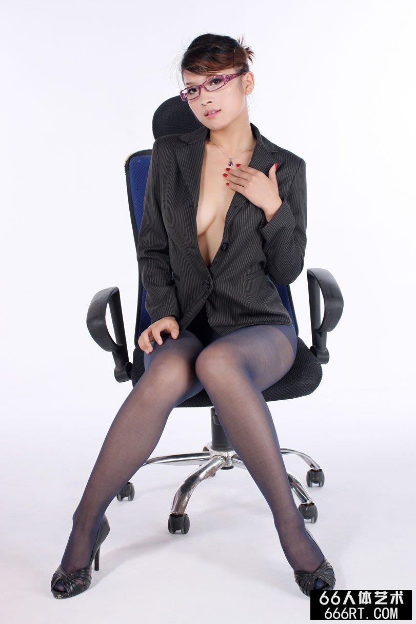 美模波波10年7月4日室拍精品性感人体_张筱雨大胆图片