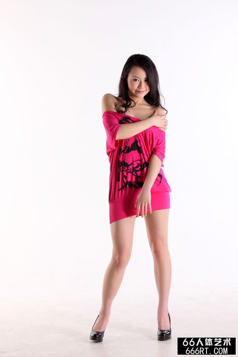 国产名模杨芳09年3月13日室拍