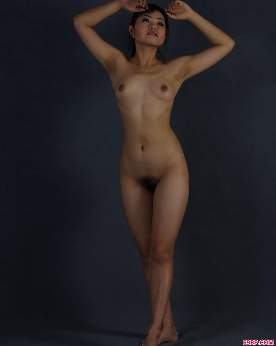 开嫩苞舒服20p_名模瑞尔图片棚里的丰腴人体