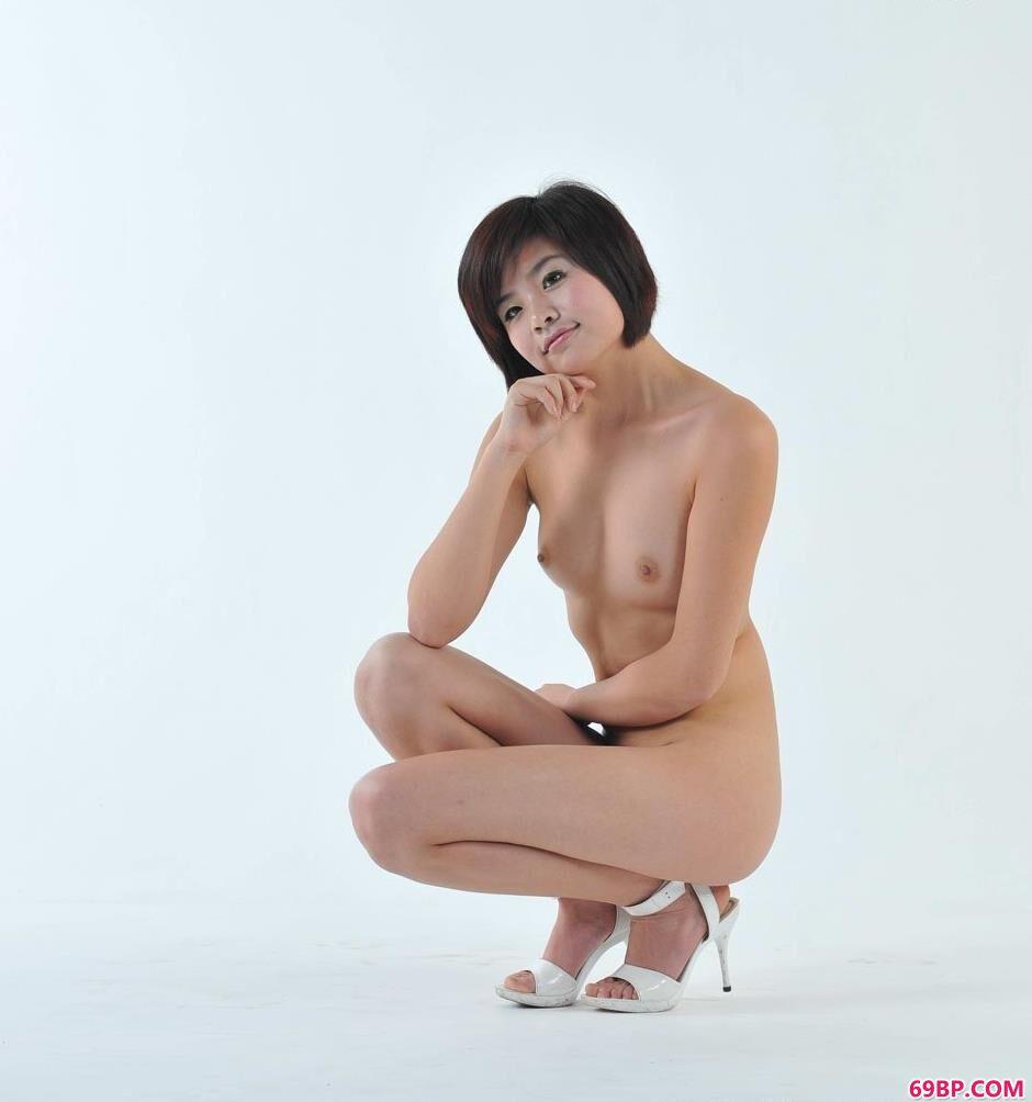 靓妹菲林写真棚里的娇嫩人体2