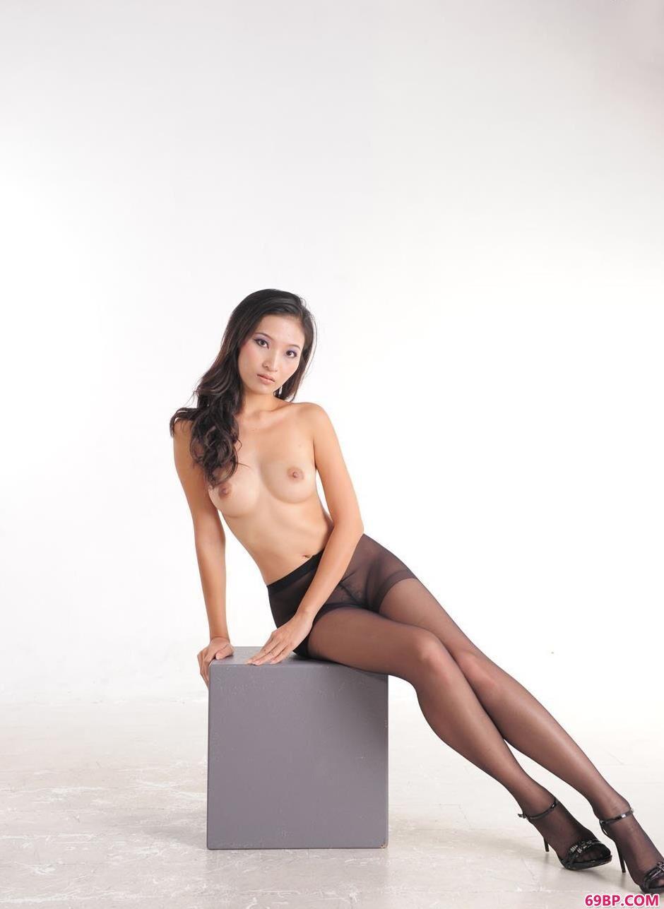 妹子紫狐狸室拍女警诱惑3