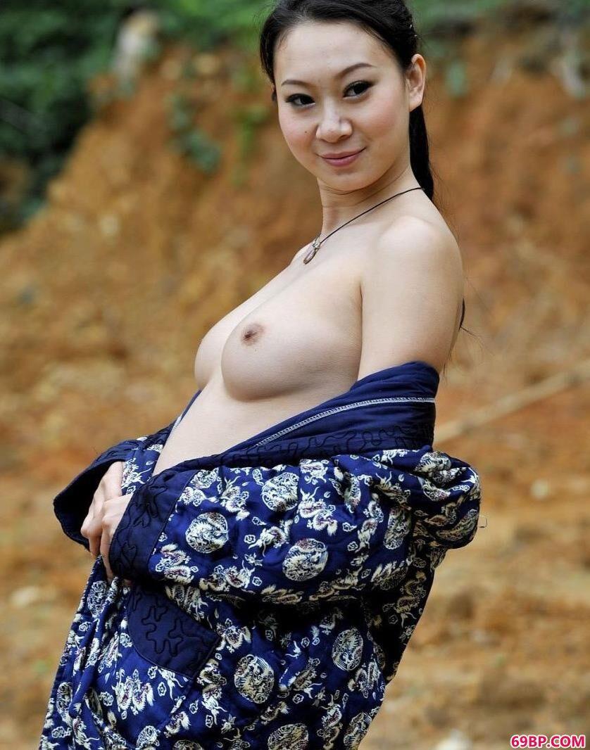 东莞清溪外拍人体超模雯雯_GOGO亚洲国模