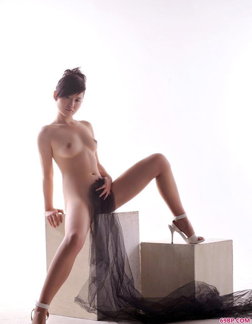 温柔的色调名模judy2_日本人体艺术图片