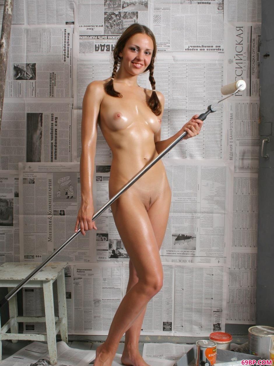 装修房里的嫩模Kristina乖巧人体
