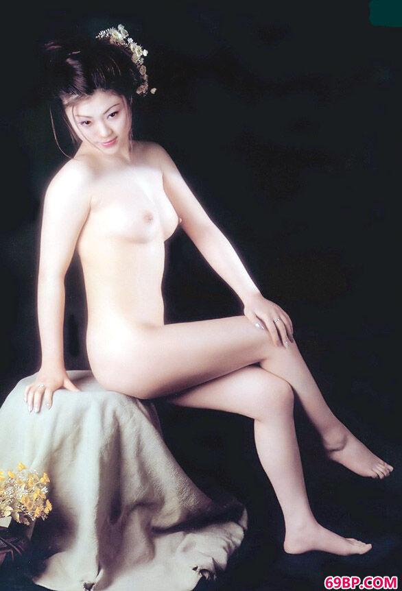 惠子娇姿_人体美眉馆