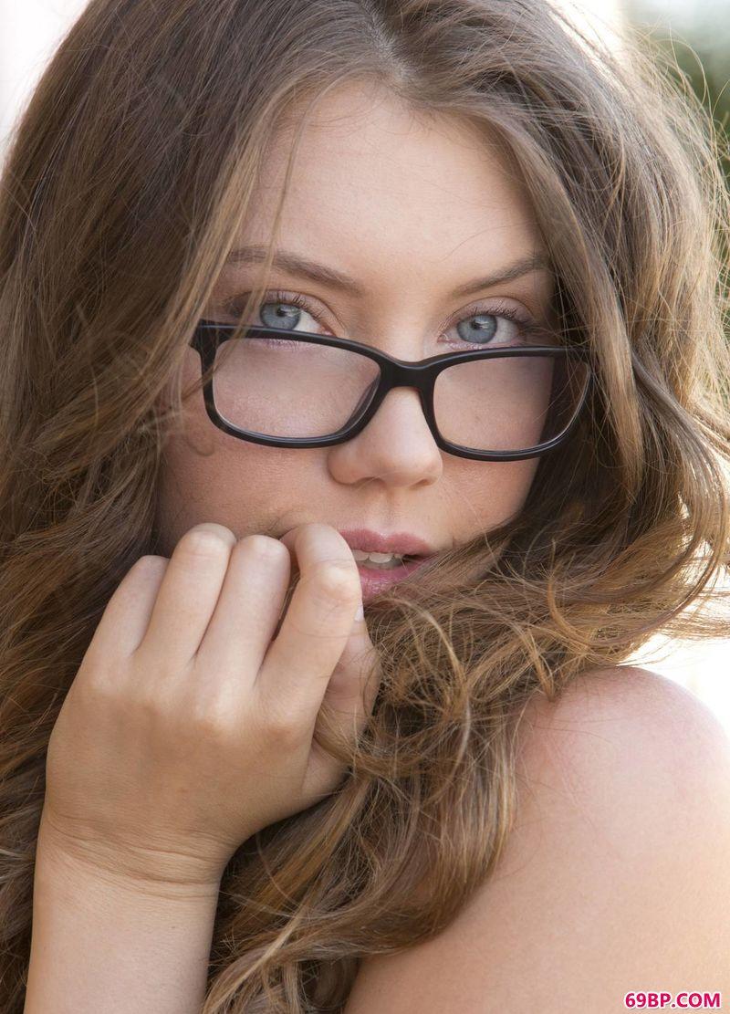 www666_娟秀的眼镜姑娘Elena