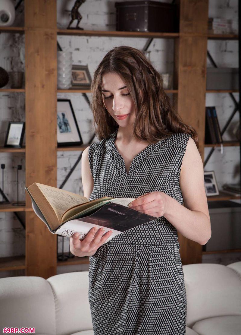 读书时间美人Clary