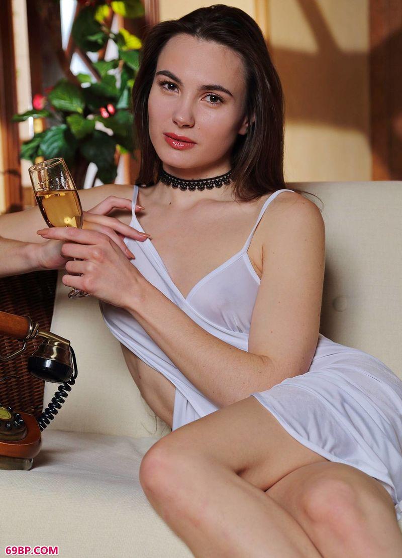 中国美女人体艺术_香槟美人如旧LOLA