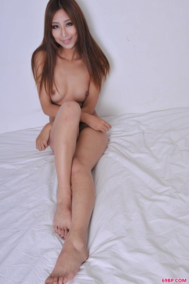 377p日本大胆欧美人术艺术_一个人的生活xixi模特飞儿
